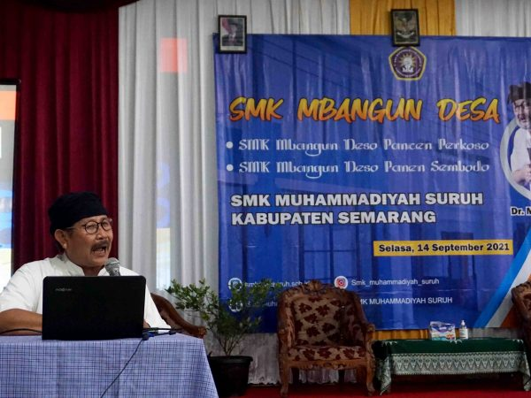 "Gus Marlock tebarkan ""Virus"" SMK Mbangun Desa di SMK Muhammadiyah Suruh"